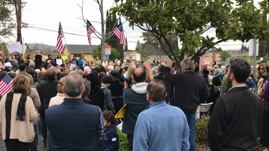 Protestors gathered at the Islamic Center of Conejo Valley on Feb. 5 listen to one of the many speakers that took the stage at the rally. These speakers included U.S. Representative Julia Brownley, California Lutherna University professor Desta Goehner, and Imam Ahmed Patel from the Islamic Center of Conejo Valley.