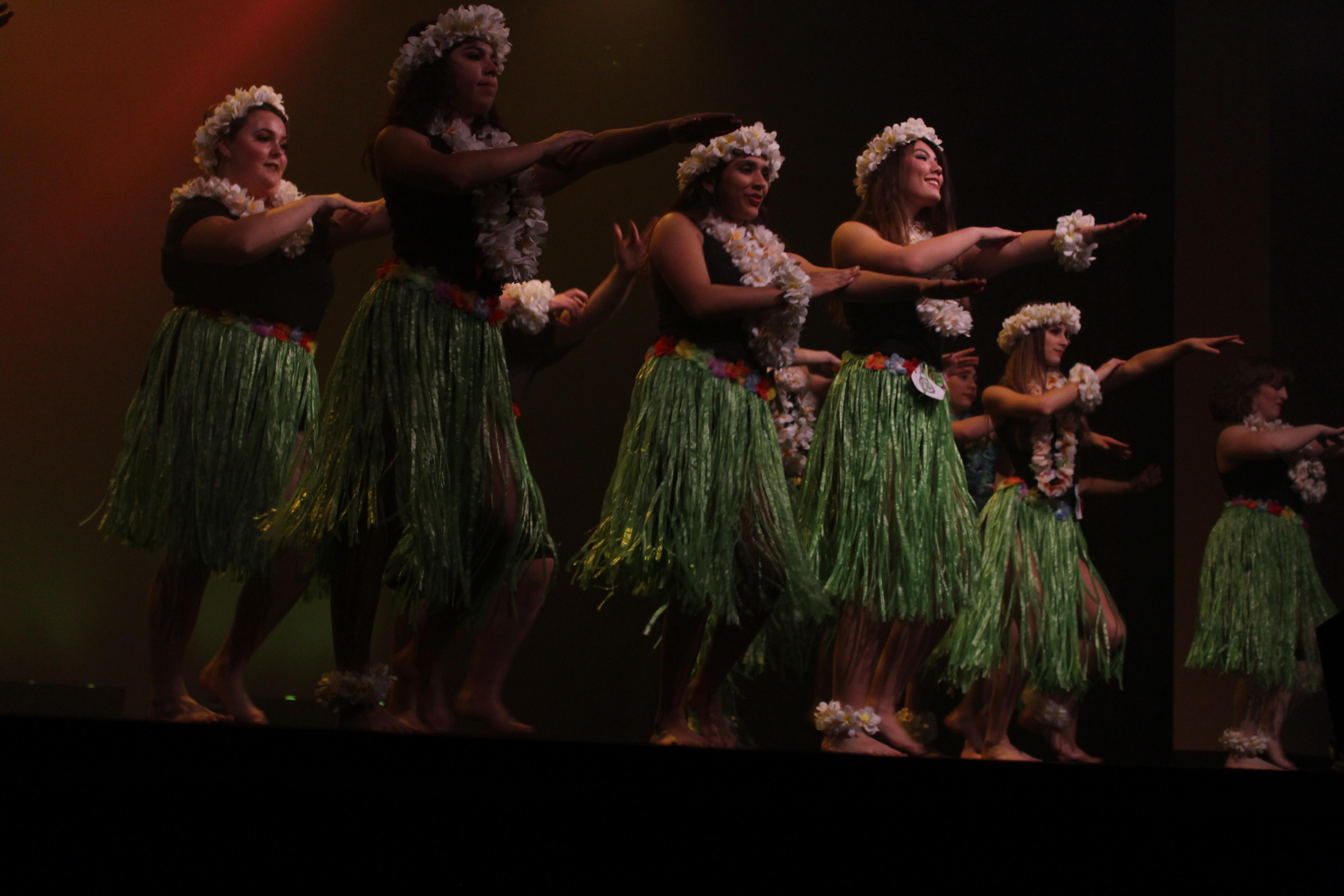 hawaiian dance 2